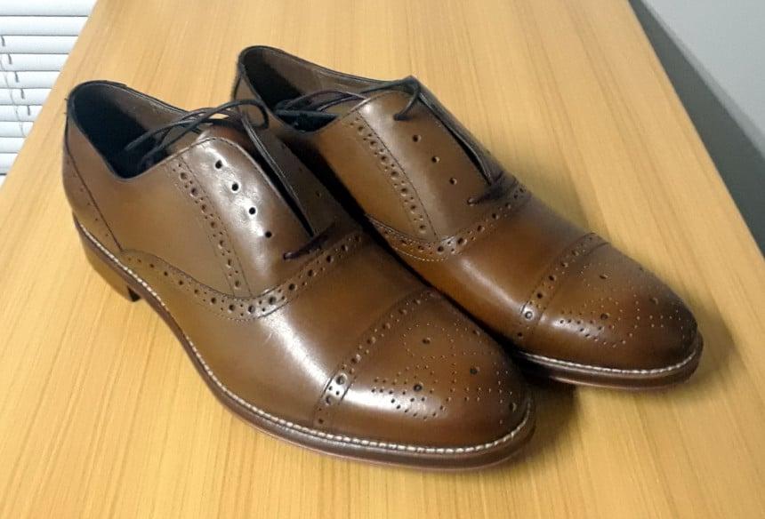 Johnston And Murphy Conard Shoes Together angle