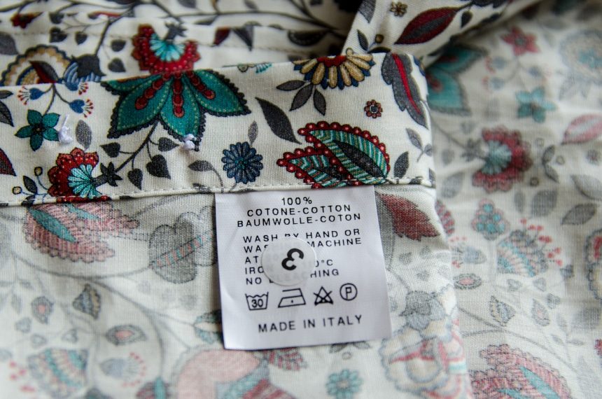 Apposta 100% Pure Cotton Poplin Floral Close Up Of Tag Product Shot