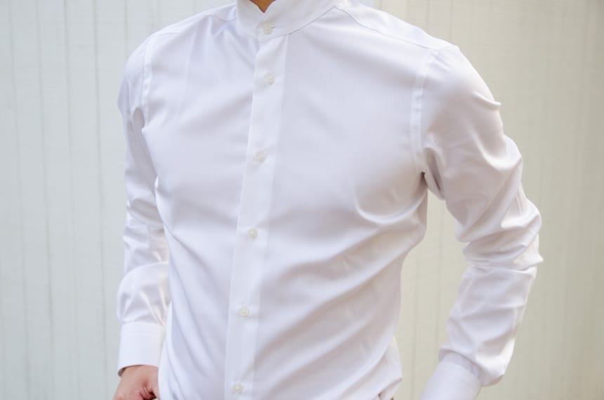 Close Up Of Model Wearing Apposta Coolmax Twill - Chest