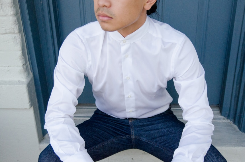 Model Wearing Apposta Coolmax Twill and Sitting On Stoop Close Up