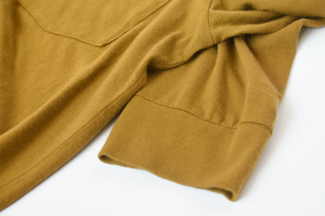 long sleeve cotton pocket closeup