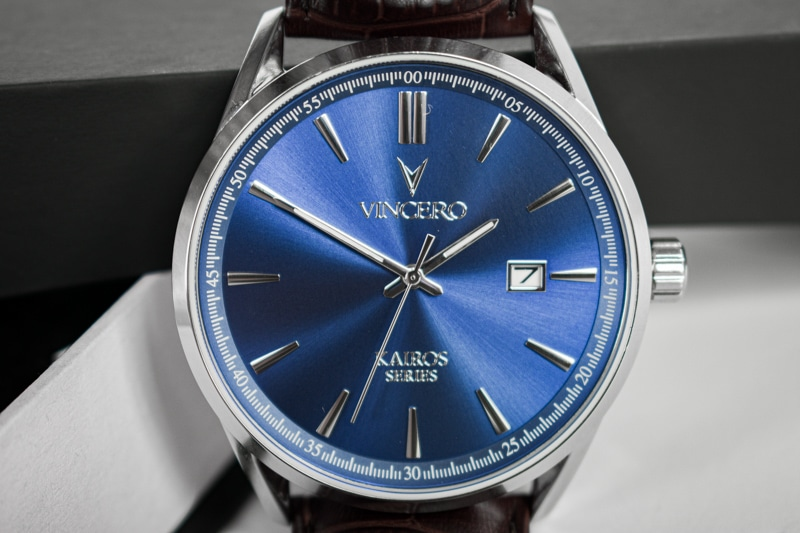 Vincero Kairos blue dial close up